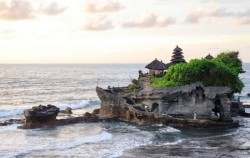 One Day Tour with Kecak Dance, Tanah Lot Temple