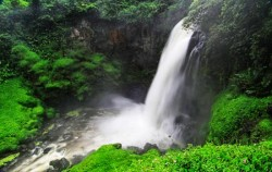 Telun Berasap Waterfall,Sumatra Adventure,Kerinci Seblat National Park Tour 6 Days 5 Nights