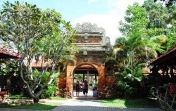 One Day Tour with Spa Treatment, Bali Tour Packages, Ubud Palace