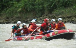 Rafting at Wampu River,Sumatra Adventure,Bukit Lawang Trekking and Rafting 5 Days 4 Nights