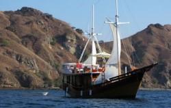 Phinisi Warisan, Komodo Boats Charter, Phinisi Warisan