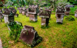 Waruga Ancient Grave,Manado Explore,Manado Tour 5 Days & 4 Nights Package