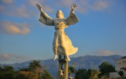 Manado Yesus Monument,Manado Explore,Manado Tour 5 Days & 4 Nights Package